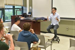 Panelist Jeff Knauss talking to class